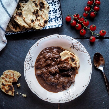 Deer's goulash with dark chocolate